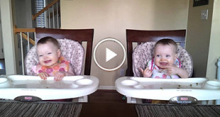 11-Month-Old-Twins-Dancing-to-Daddys-Guitar-400